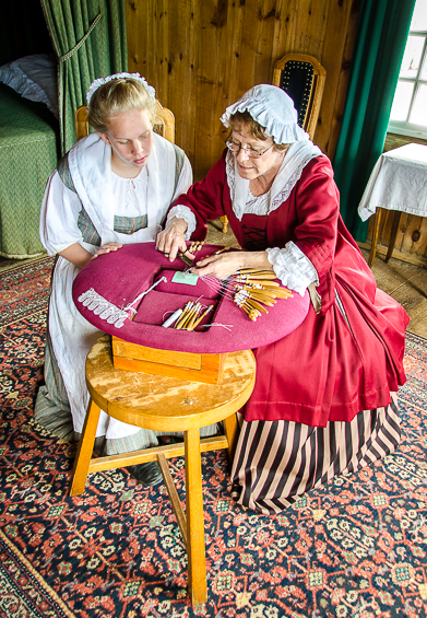Sewing Together at Louisbourg