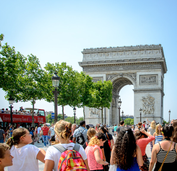 Arc de Triomph crowds
